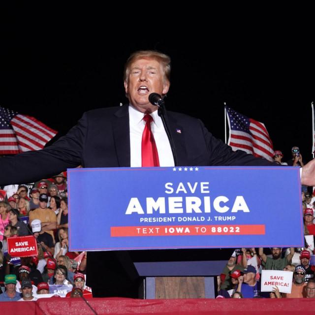 Donald Trump: Obnovili smo vojsku, i to je bilo teže nego povući se iz Pakistana... Iz... Iz Afganistana