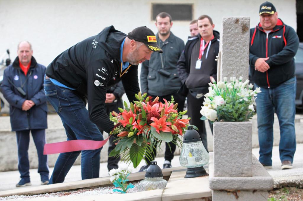 Cvijeće i na Pobrežju na mjesto gdje je poginuo najmlađi dubrovački branitelj, Josip Zvono