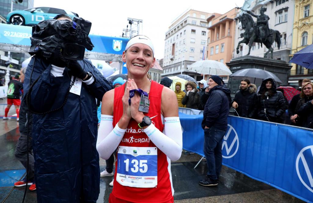 Tea Faber u cilju 29. Zagrebačkog maratona, ujedno državnog prvenstva u maratonu - atletičarka Dubrovnika je bila najbrža
