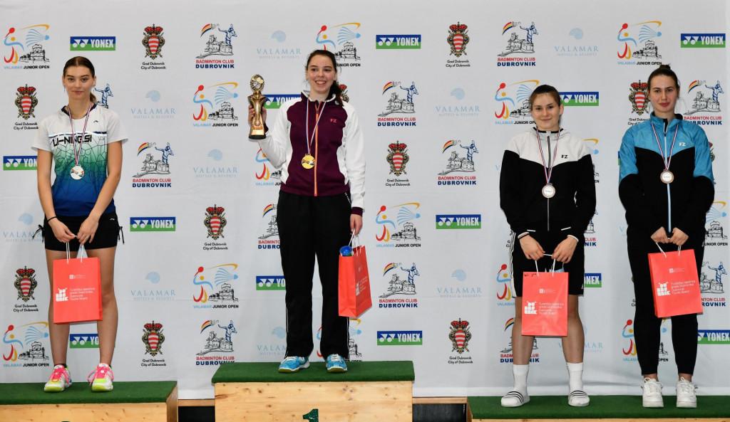Pobjedničko postolje juniorke - Jordan (Slovenija), Alič (Slovenija), Matovič (Slovenija) i Sulić (Hrvatska)