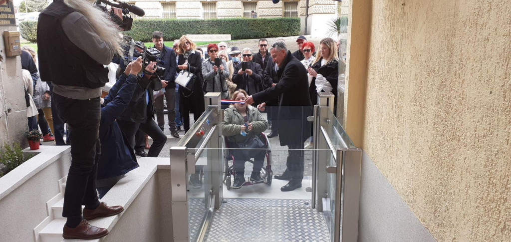 Uređene prostorije Udruge umirovljenika grada Šibenika u Ulici Stjepana Radića