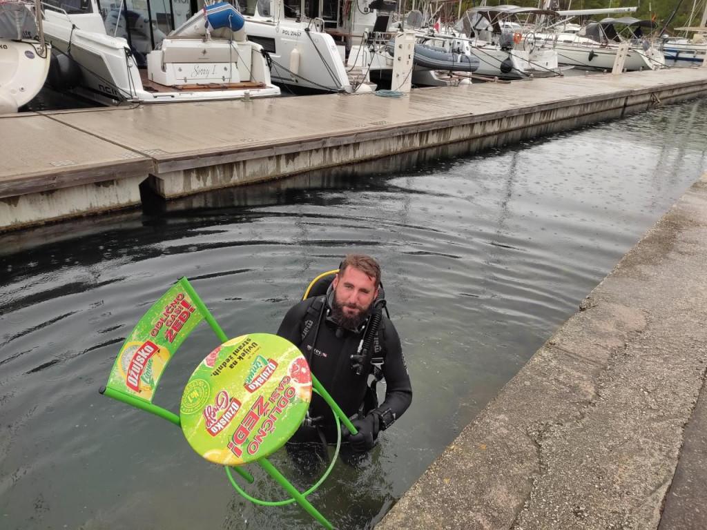 Akcija čišćenja u ACI marini u Skradinu