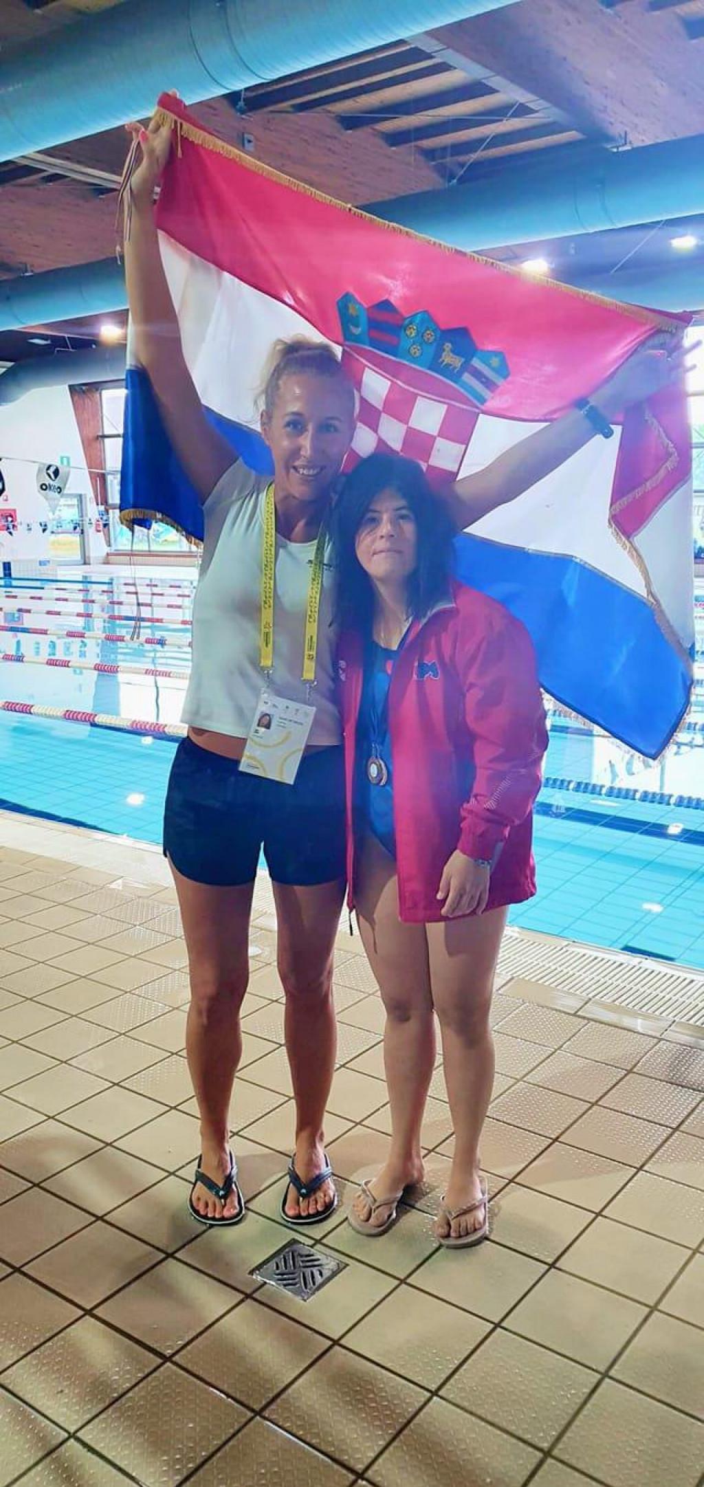 Lucija Mijolović s trenericom Josipom Nekić