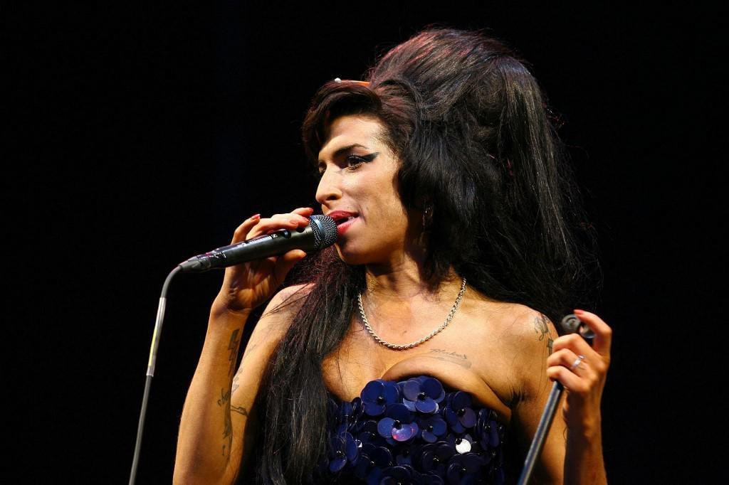 Britanska glazbenica Amy Winehouse na Glastonbury Festivalu 2008. godine