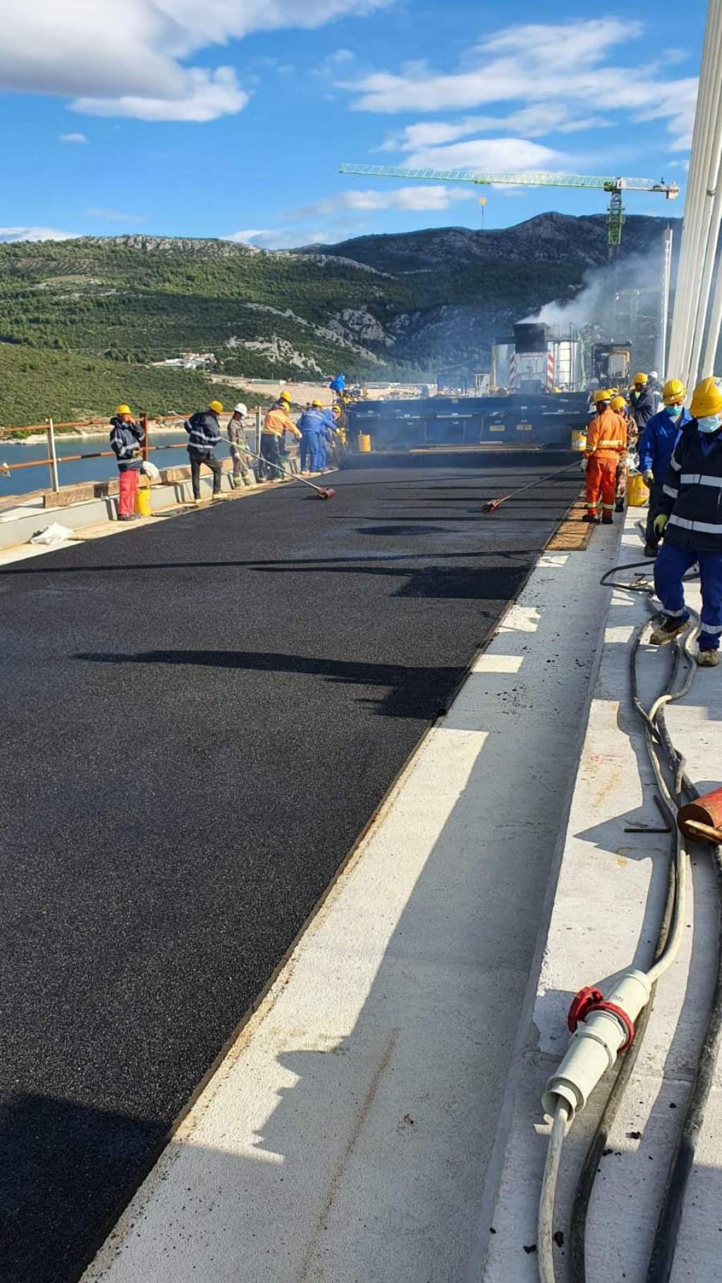 Asfaltiranje Pelješkog mosta