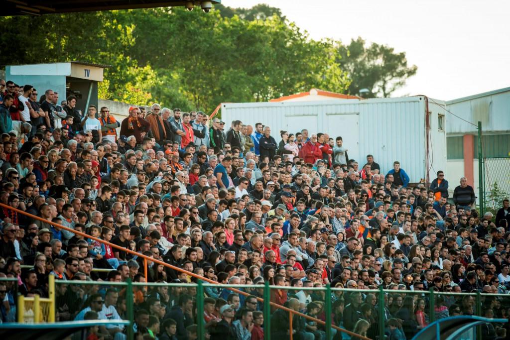 U nedjelju se očekuje oko 3,5 tisuća gledatelja, u ulaznice za Zapad Šubićevca ne mogu kupiti ljudi iz Splitsko-dalmatinske, Zadarske i Dubrovačko-neretvanske županije