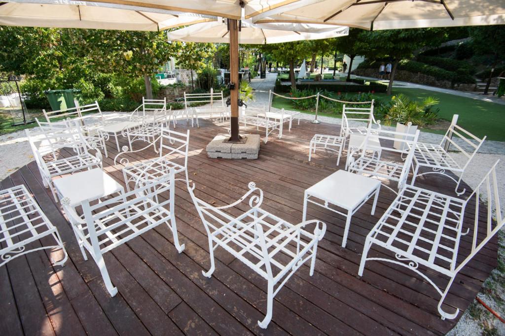 Zadar, 041021<br /> Prostor lounge bara Ledana u parku Kraljice Jelene Madijevke.<br />