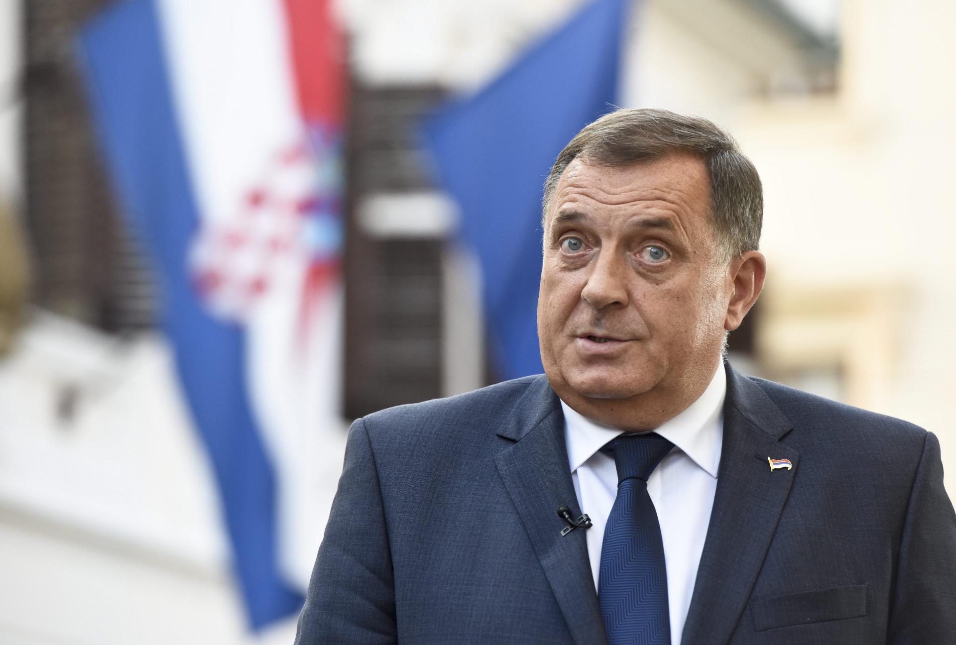 Dodik zaprijetio NATO-u: 'Ako nas napadnu, pozvat ćemo naše prijatelje! Znam da ni jedan Srbin neće prihvatiti da se vojno angažira protiv RS'