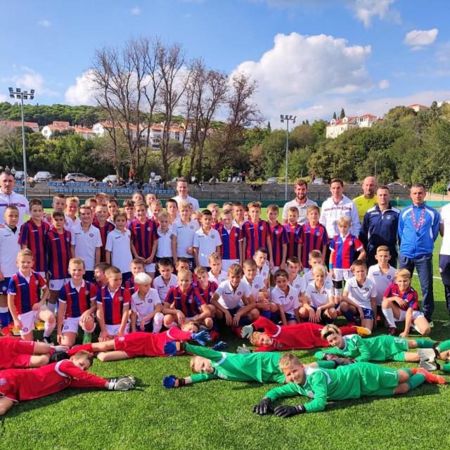 Prva ID selekcija Nogometne Akademije HNK Hajduk 'Luka Kaliterna' za područje Dalmacije i Hercegovine održana je u Dubrovniku, na terenu u Gospinom polju