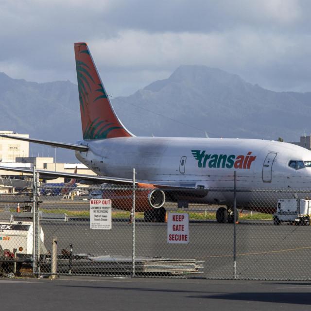 Civilni zrakoplov Boeinga 737-200 (TransAir Flight 810) u more je pao 2. srpnja, 11 minuta nakon polijetanja iz zračne luke u Honoluluu