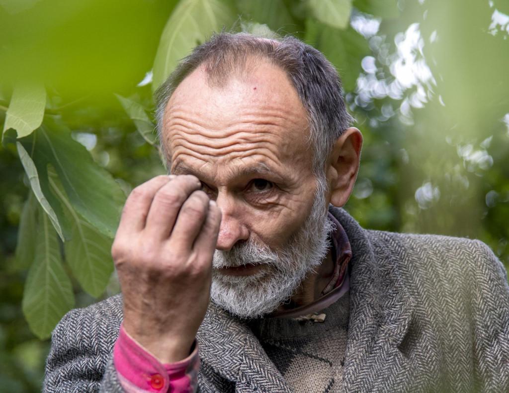 Radiljevac, Knin, 131021.<br /> Rajko Stojakovic, socijalni slucak kojeg je prije nekoliko dana sud proglasio krivim zbog prosjacenja i nalozio mu da vrati isprosenih 60 kuna.<br />