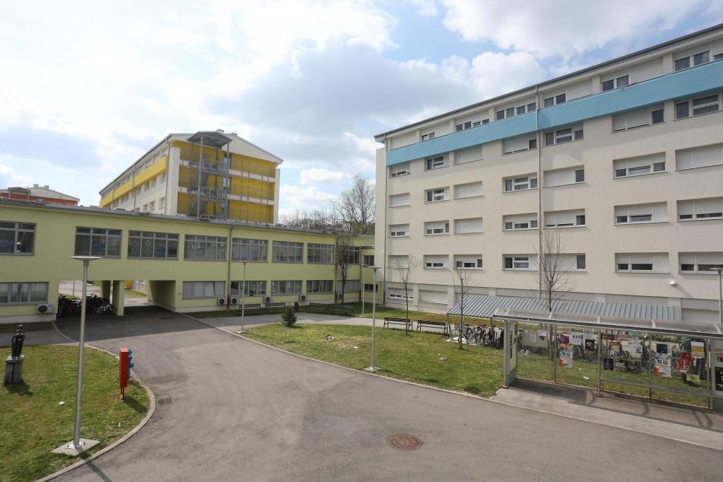 """Studentski dom """"Cvjetno naselje"""" u Zagrebu"""