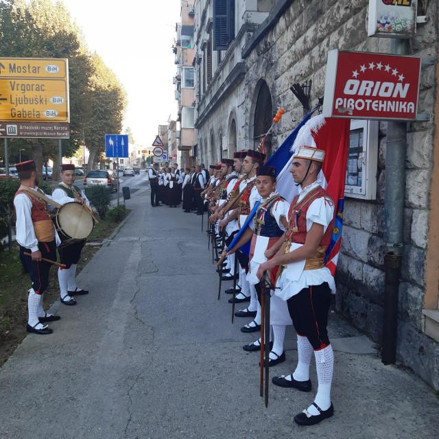 Folklorne skupine u Metkoviću