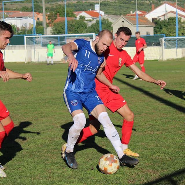 U plavom dresu Vedran Smokrović najbolji igrač i strijelac