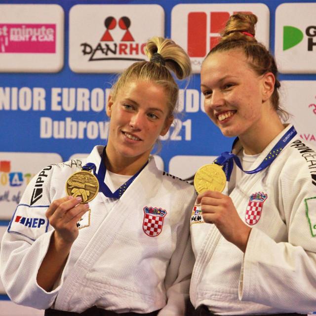 Bronca i zlato za Hrvatsku prvog dana Europskog seniorskog kupa u Dubrovniku - Tena Šikić je bila treća u kategoriji do 57 kilograma, a Iva Oberan najbolja u kategoriji do 63 kilograma