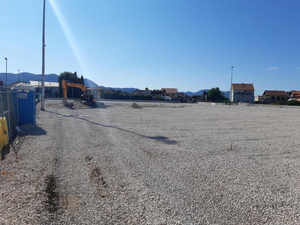 Pripreme podloge za umjetni travnjak na pomoćnom igralištu NK Neretve