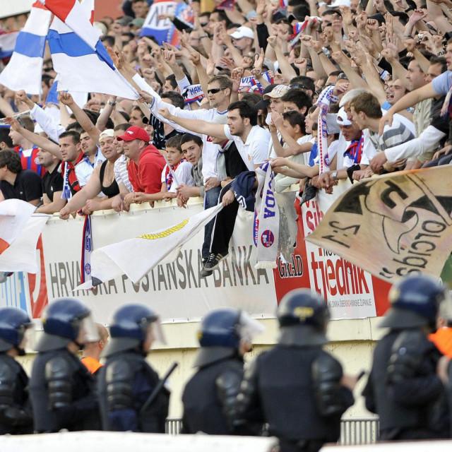 Jedno od prijašnjih Ggostovanja navijača Hajduka u Šibeniku