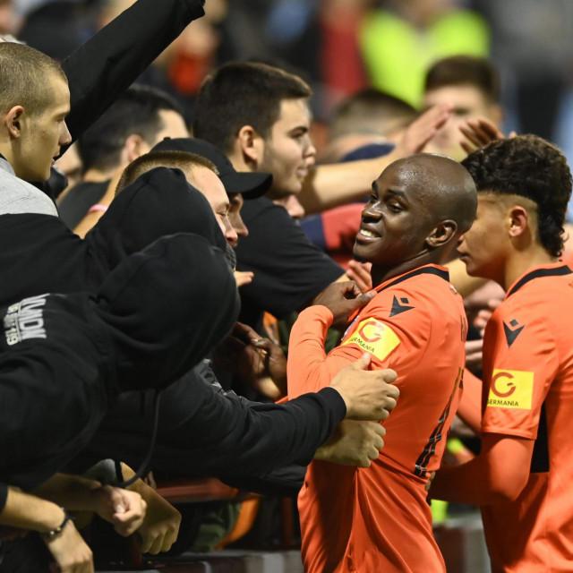 Slavlje igrača i navijača nakon utakmice