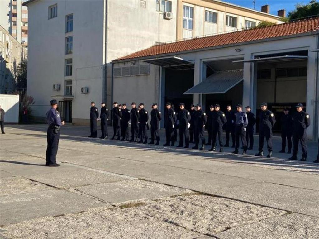U PU zadarsku primljeno 38 novih policajaca