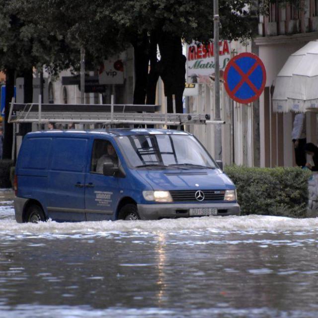 Poplava u središtu Metkovića 2010 godine<br /> foto: Cropix