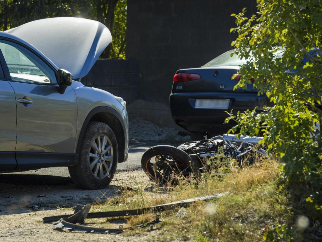 Prometna nesreća u kojoj je smrtno stradao motociklist na ulazu u Drniš<br />