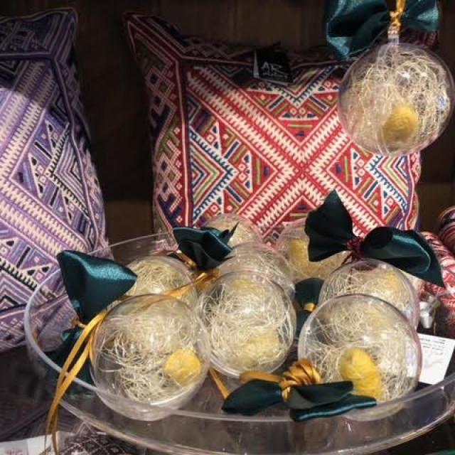 Lucijini božićni ukrasi nadahnuti dudovim svilcem
