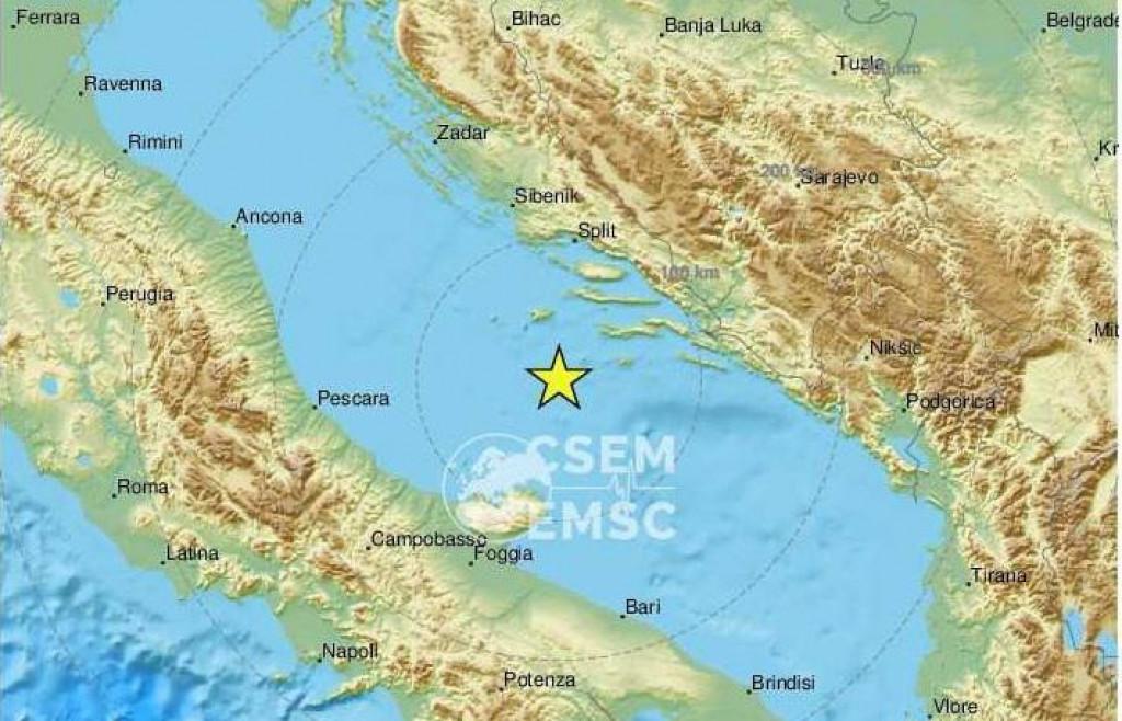 Epicentar potresa bio je 98 kilometara južno od Splita