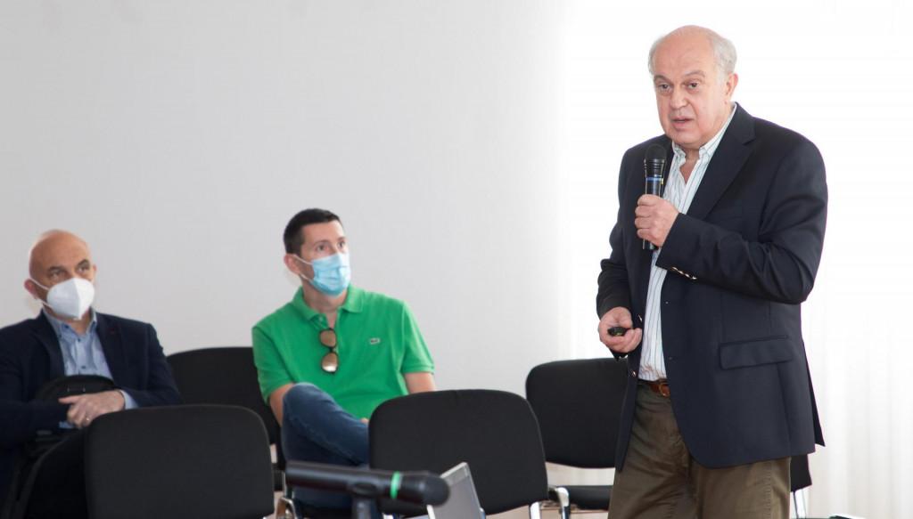 Dr. Ivo IvićVojko Bašić/CROPIX