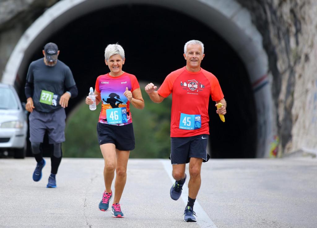 Omiški polumaraton se opet trčao kanjonom rijeke Cetine u dvije kategorije