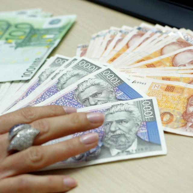 Split, 241012.<br /> Banka.<br /> Detalji rada zaposlenica Splitske banke.<br />