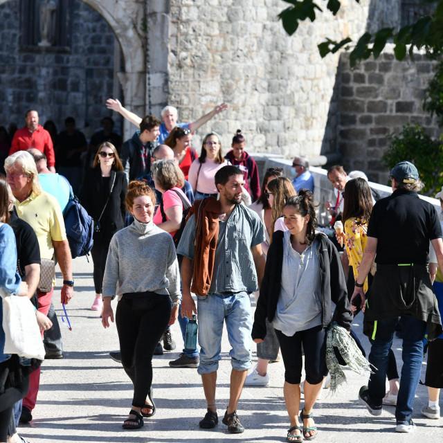 U srijedu je Dubrovnik posjetilo 6000 putnika sa kruzera
